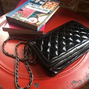 ande Bags - Vintage quilted black patent leather purse